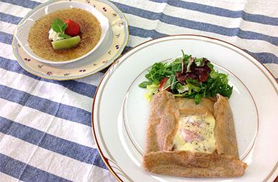 食文化学科「人気のガレットとクレームブリュレを楽しみましょう!」