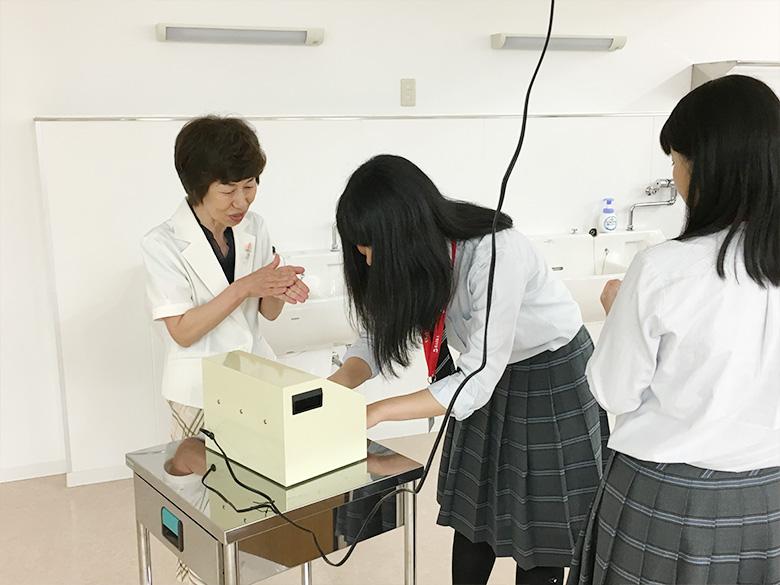 食文化学科 「手洗いチェックをしてみましょう!」